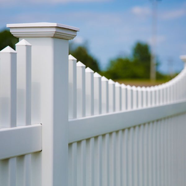 Vinyl Fencing | Decorative Fence | Chestnut Scallop